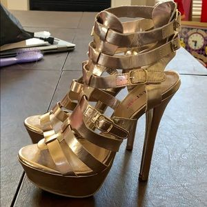 New JustFab gold gladiator heels strappy 9
